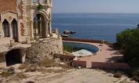 CastelloTafuri_piscina.jpg